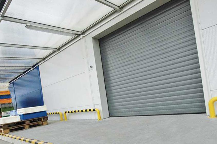 Защитные заграждения для дома и гаража