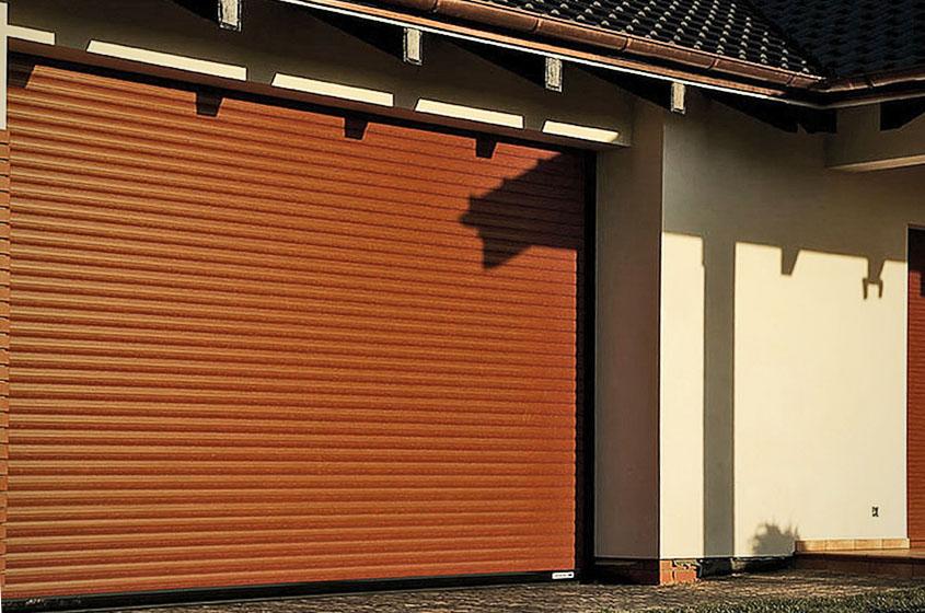 Рольворота, установленные в гараже