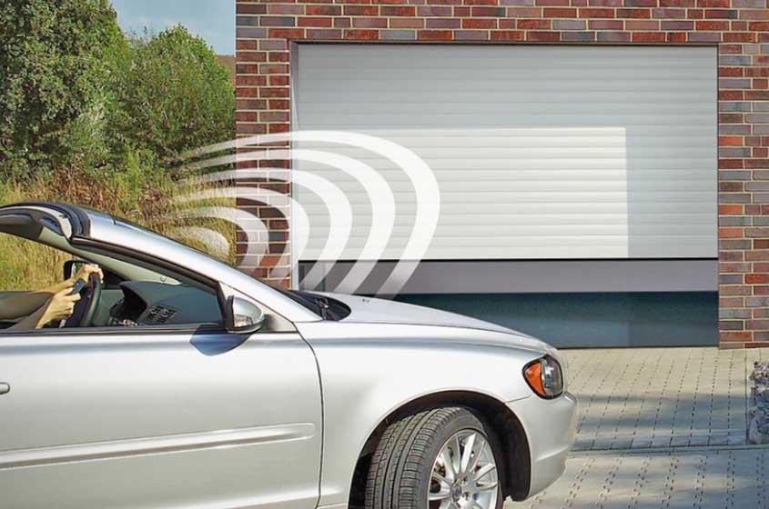 Автоматические ворота в гараж на даче
