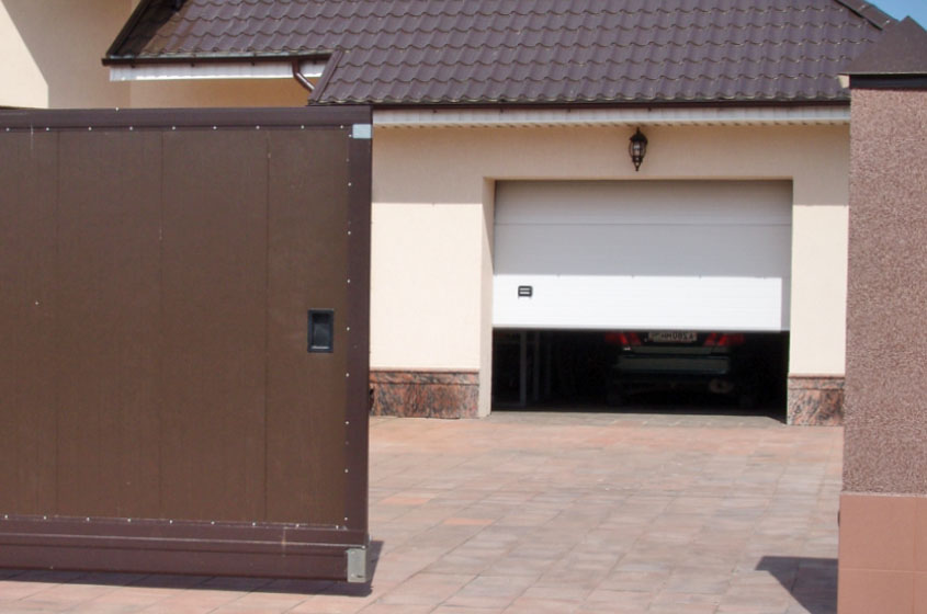 Откатные и секционные ворота с автоматикой