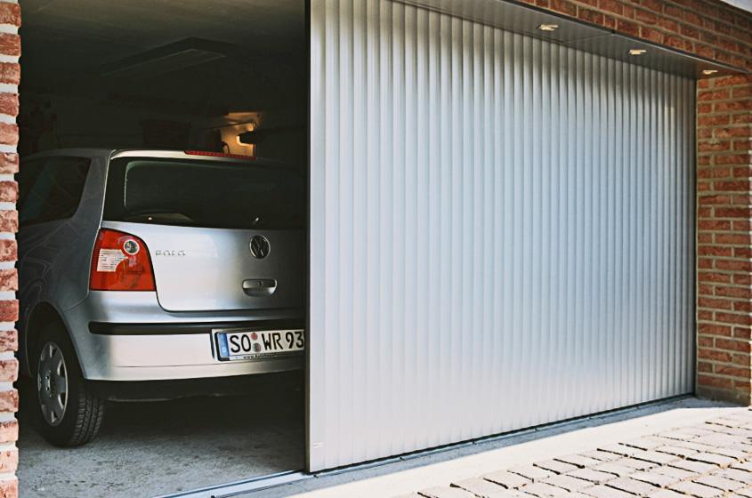 Откатное заграждение в гараже