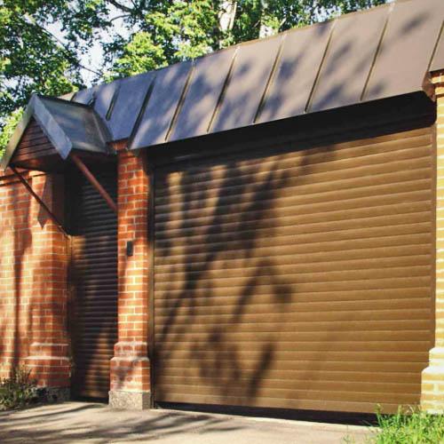 Рулонные подъемные ворота для гаража из профнастила