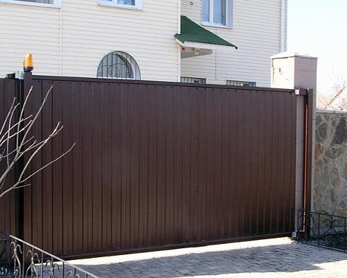 Внешний вид откатных ворот Сова