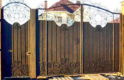 Фото ворот из металла, сделанных своими руками